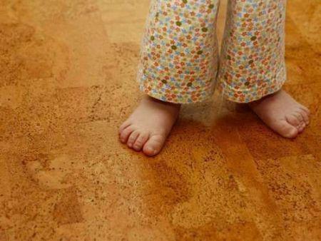 Стоит-ли-использовать-ламинат-в-детской-комнате