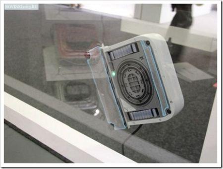 Как работает робот-мойщик окон?