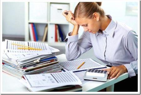 Стоит ли нанимать бухгалтера в штат?